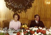 Cu ce bunatati se delecta Nicolae Ceausescu la masa de Revelion! Nea Nicu era mort dupa sarmale, ciorba de peste, pui la ceaun, piftie si tuica fiarta, dar nu-i placeau fructele de mare!