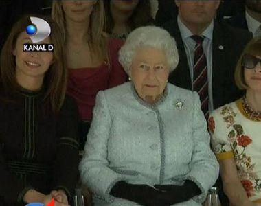 Aparitie surpriza la Saptamana Modei din Londra! Ce a facut Regina Elisabeta a II-a a...