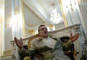 Gradina lui Gigi Becali arata ca un colt de Rai. Turistii fac coada sa se pozeze in fata proprietatii milionarului.