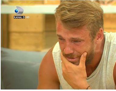 """""""Acasa vorbesc cu televizorul incercand sa vorbesc cu Ionut, dar nu ma aude,..."""