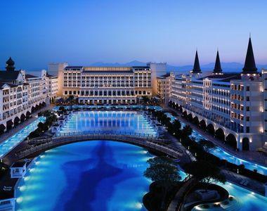 Cele mai luxoase hoteluri din lume. Afla cat trebuie sa scoti din buzunar pentru o...