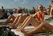 Plajele de pe litoral s-au transformat in sali de fitness si gimnastica, in aer liber