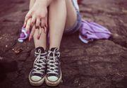 O fetita de 13 ani s-a sinucis dupa ce a cautat pe internet metode prin care sa isi ia viata. Copila era dependenta de telefonul ei mobil, in care s-au gasit detalii cutremuratoare