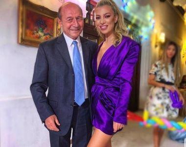 Imagini de senzatie de la botezul nepoatei lui Traian Basescu. Uite cum a aratat tortul...