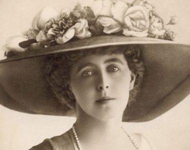 Incredibila aroganţă a Reginei Maria! A fost prima femeie din România care a fumat în...