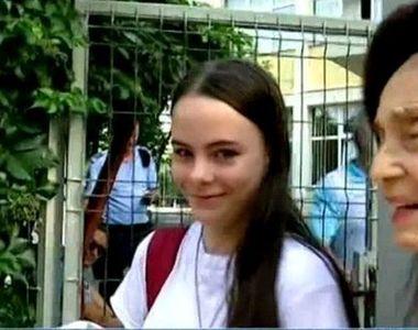 Câţi ani are de fapt Eliza Iliescu, deşi e elevă de liceu? Fata celei mai bătrâne mame...