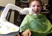 El este Obi si este cel mai tare robot. A fost construit sa ajute oamenii cu dizabilitati sa manance