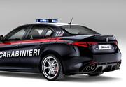 Alfa Romeo a construit o masina pentru politistii italieni! Este eleganta, rapida si destinata sa faca transporturi urgente