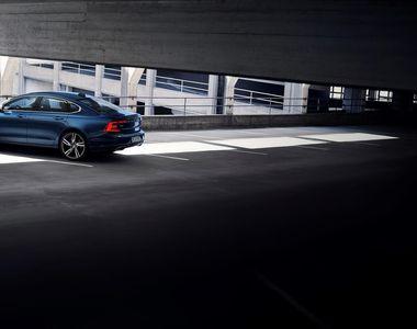 Volvo Cars a lansat modelele S90 şi V90 R-Design. Sunt luxoase si sportive in acelasi...