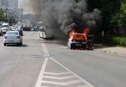 Masina cuprinsa de flacari pe drumul care leaga vama Cenad de Timisoara. Incendiul ar fi izbucnit de la o improvizatie de cabluri