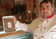 Profit urias pentru singurul producator de mici traditionali din Romania! Ilie Gheorghe a obtinut atestarea micilor de Plescoi
