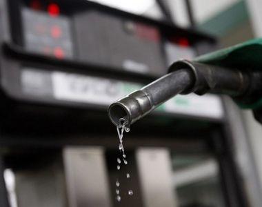 Preturile petrolului scad cu peste 1%, pe fondul aprecierii dolarului si al creşterii...