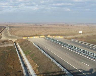 """Ministrul Transporturilor: """"Vor fi finalizati in acest an 90,23 kilometri de..."""