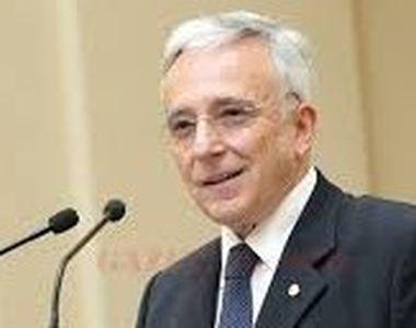 """Mugur Isarescu la conferinta de prezentare a Raportului BNR pe anul trecut: """"Nici..."""