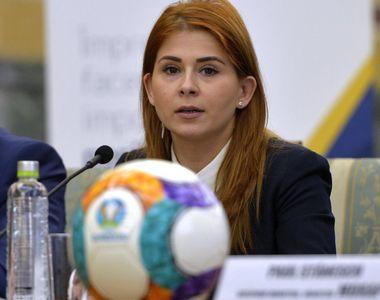 Jenant! Ministrul Tineretului si Sportului, Ioana Bran a fost trimisa sa-si ia bilet....