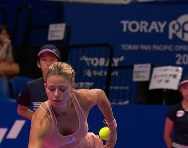 Camila Giorgi i-a innebunit pe fanii tenisului! Italianca sexy a purtat un sort roz, de...