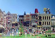 Un set spectaculos prezentat de Lego. Evenimentul a fost transmis live pe Facebook