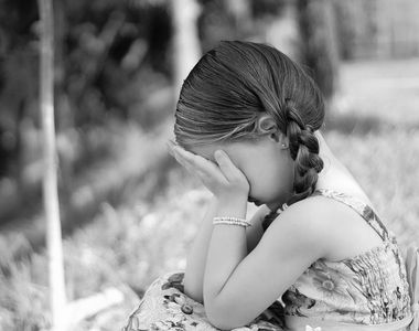 Tata lasat liber dupa ce si-a sechestrat fiica de 9 ani pe balcon si a abuzat-o in...