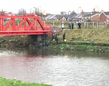 Picior uman găsit în albia unui râu! Polițiștii au descoperit cui aparținea