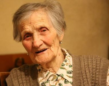 La 104 ani este bătaia de joc a statului român. O văduvă de război din Suceava are...