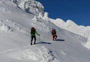 Bărbat mort în Bucegi după ce a fost surprins de o avalanşă! Posibil să existe și o a doua victimă