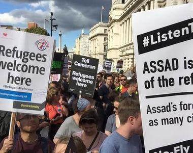 Guvernul britanic va publica un document privind politica de imigraţie. Ce se va...