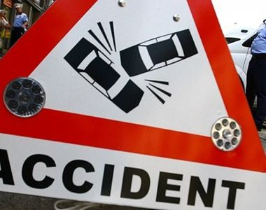 Un sofer beat a fost retinut, dupa ce a intrat, in forta, cu masina in zona pietonala...