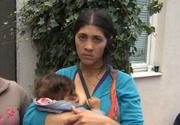 Doua femei de etnie roma, prinse cu conserve sub fusta!