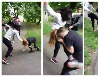 Bataie intre doua eleve intr-un parc din Timisoara. Zeci de colegi au privit ca la...