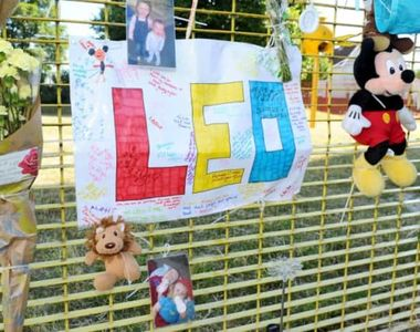 Un baietel de opt ani a murit in somn dupa ce se lovise la cap in timp ce se juca afara
