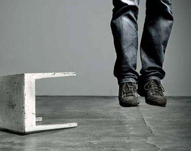 Un tânăr din Iași s-a spânzurat, după ce soția sa a vrut să divorțeze! Bărbatul a lăsat...
