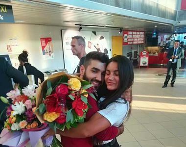 Naomi s-a intors in Romania! Primele imagini cu Razboinica la aeroport! E surprinzator...