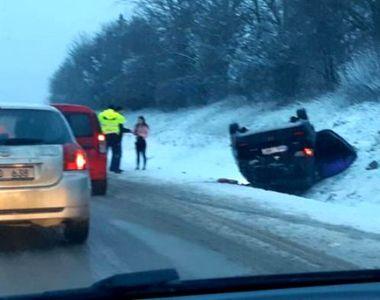 Reacție halucinantă a unui șofer care s-a răsturnat cu mașina în timp ce mergea spre...