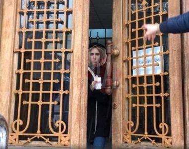 O adolescentă din Iași a furat zeci de mii de euro de la bunici și i-a cheltuit cu...