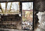 Un tânăr de 17 ani a fost rănit după ce casă i-a fost cuprinsă de flăcări. A rămas fără un acoperiș deasupra capului chiar în prag de sărbători
