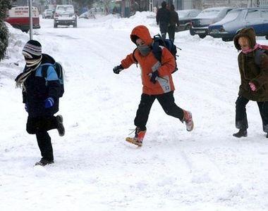 ULTIMĂ ORĂ! Se închid școlile! Elevii vor intra în vacanță mai devreme
