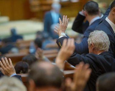 Noua lege a pensiilor a fost adoptată în Parlament. CASS a fost eliminată pentru toţi...