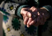 Bătrână din Argeș, batjocorită de un tânăr din sat. Ce i-a făcut agresorul!