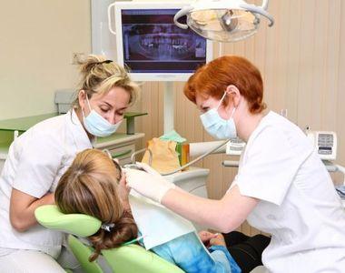 Românii au luat cu asalt cabinetele stomatologice! Află de ce sunt atât de disperați...