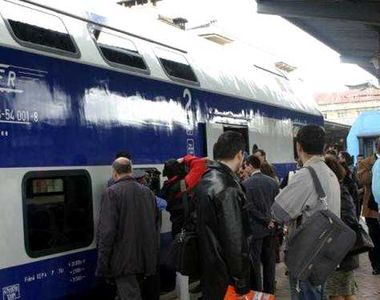 Imagini de coșmar! Aproape o mie de călători în doar două vagoane de tren. O femeie a...
