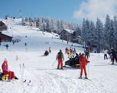 Românii s-au mutat la munte în vacanța de Crăciun! Cât costă să petreci sărbătorile în...