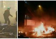 """""""Vestele galbele"""" continuă să facă legea pe străzile din Franța! Mai multe mașini au fost incendiate noaptea trecută"""