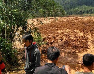 Cel puţin 15 persoane au murit în Indonezia, în urma alunecărilor de teren