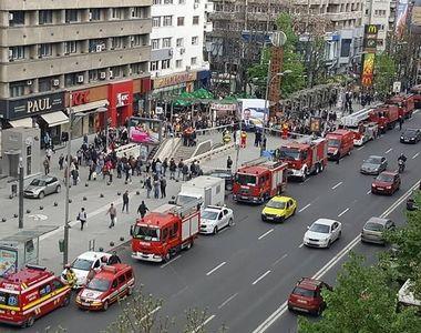 Panică la Piața Romană! O persoană a fost lovită de metrou! Se intervine de urgență