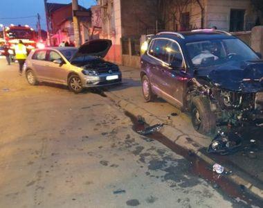 Un șofer fără permis a ajuns la spital, după ce a făcut accident cu o mașină condusă de...