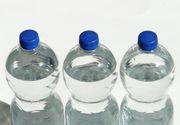 Sticlele cu apă pe care le cumpără românii de la magazin pot fi extrem de periculoase! Ce s-a găsit în ele e nociv