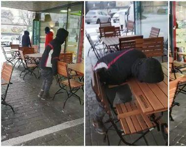 Revoltător! Un adolescent cade pe masă, afară în frig, paralizat de drogul...