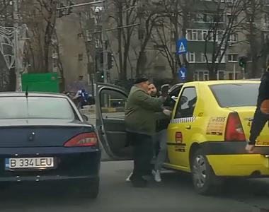 Imagini halucinante în Capitală! Mai mulți șoferi au vrut să bată un taximetrist! S-au...