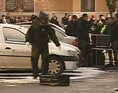 Alertă în Pitești! O valiză suspectă a fost descoperită între mașini. Zeci de oameni,...