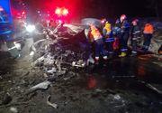 Accident grav în Bacău. Doi morţi şi doi răniţi, după ce şoferul unei maşini ar fi adormit la volan